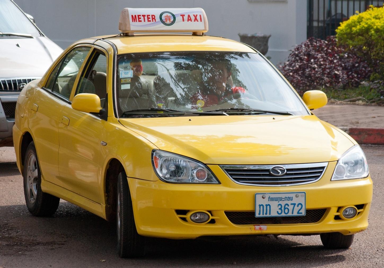 Meter_Taxi_in_Vientiane_01